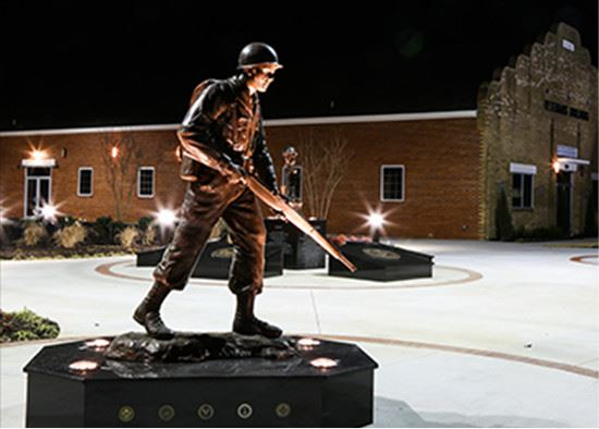 Statue of soldier outside Veterans Building